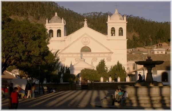 ... Franziskaner-Klosterkirche La Recoleta, eine von 22 Kirchen und Kapellen aus der spanischen Kolonialzeit die es in Sucre noch gibt.
