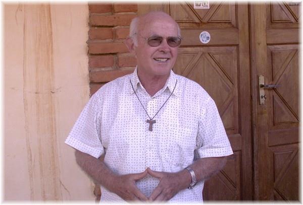... Pater Walter Neuwirth, geboren im Böhmerwald als jüngstes von 10 Kindern, lebt seit 40 Jahren in Urubicha