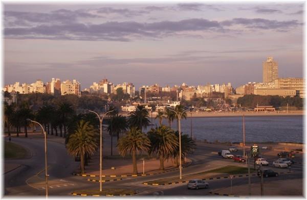 ... Blick aus unserem Hotelzimmer in Montevideo
